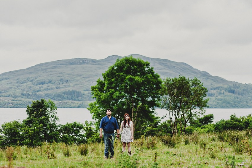 couple photograph with a scenic backgroung