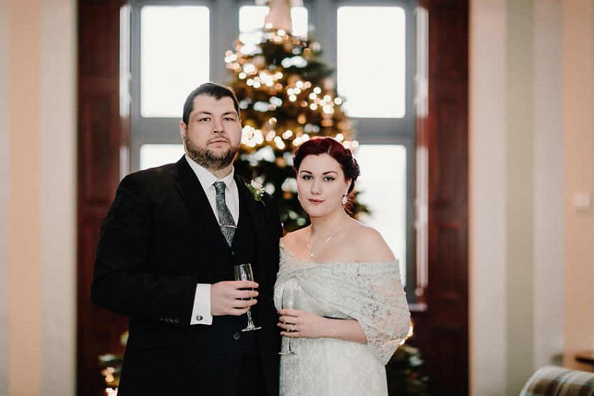 wedding picture at christmas