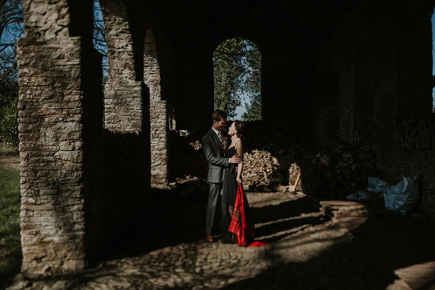 0109-elopement-in-ireland-pictures-in-roundwood-house