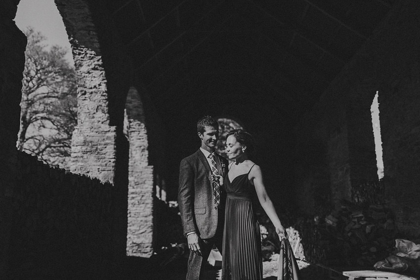 0110-elopement-in-ireland-pictures-in-roundwood-house