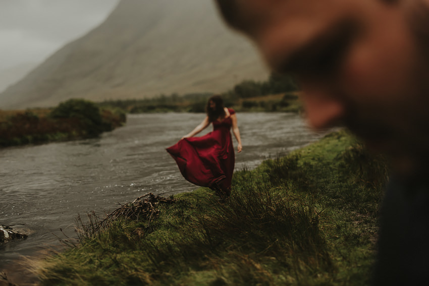 0005-elopement-to-scenic-irish-landscape-couple-photoshoot-in-connemara-wedding-photography-ireland-2