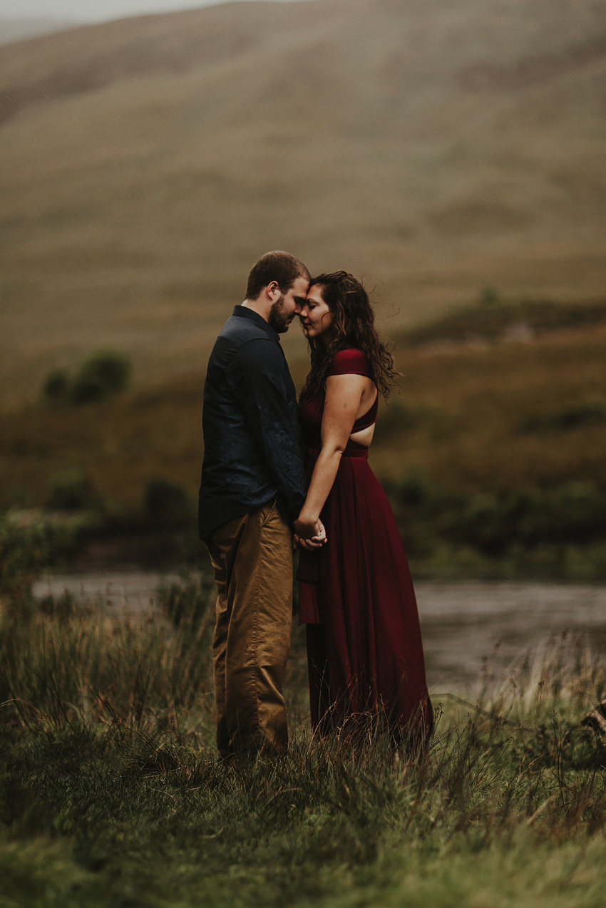 0006-elopement-to-scenic-irish-landscape-couple-photoshoot-in-connemara-wedding-photography-ireland-2