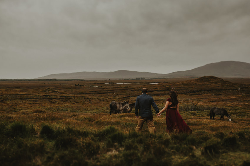 0011-elopement-to-scenic-irish-landscape-couple-photoshoot-in-connemara-wedding-photography-ireland