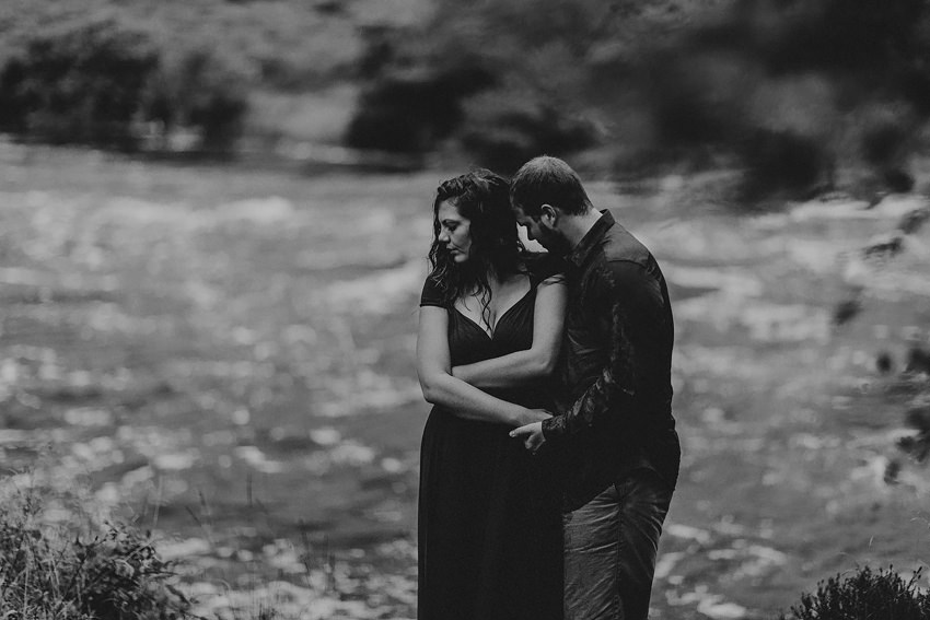 0020-elopement-to-scenic-irish-landscape-couple-photoshoot-in-connemara-wedding-photography-ireland