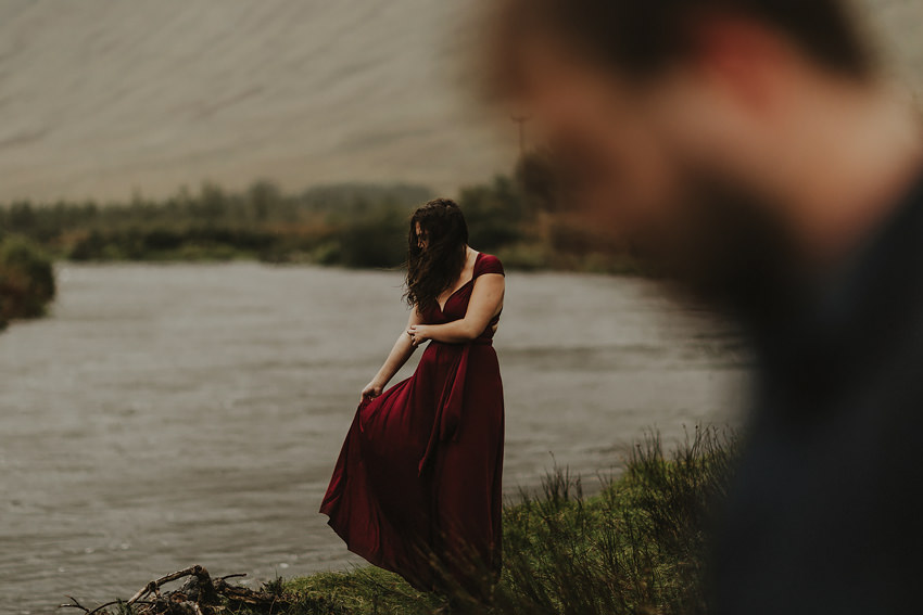 0024-elopement-to-scenic-irish-landscape-couple-photoshoot-in-connemara-wedding-photography-ireland