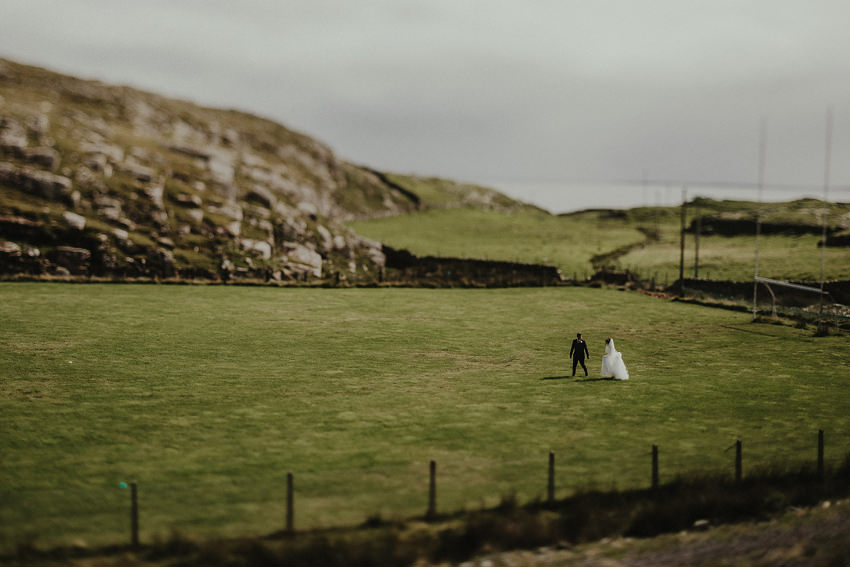 0145-wedding-on-irish-island-inishturk-aran-achill-inishbofin-clare-valentia-documentary-photography_