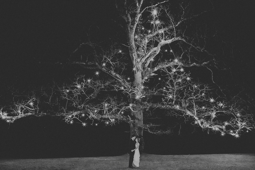 rathsallagh-house-tree-couple-picture