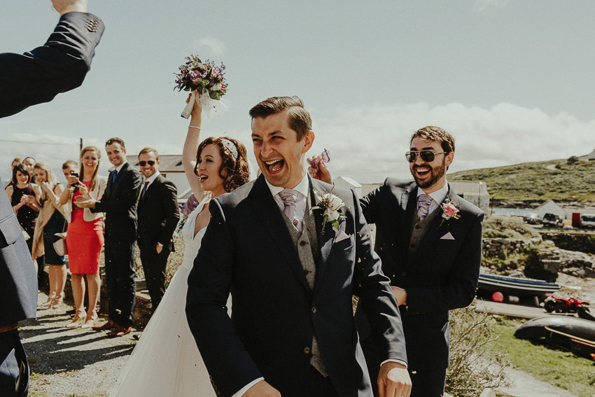 wedding-one-the-island-couple-makes-an-exit