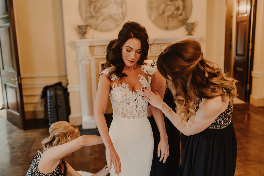 A laidback and intimate winter wedding at The Cliff at Lyons 32