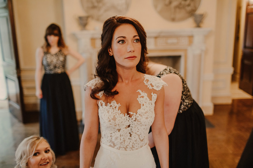 A laidback and intimate winter wedding at The Cliff at Lyons 43