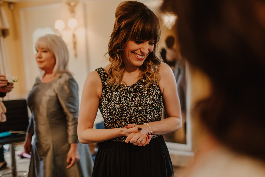 A laidback and intimate winter wedding at The Cliff at Lyons 40