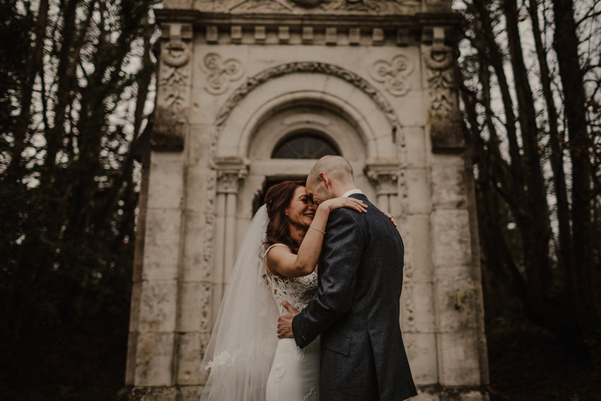 A laidback and intimate winter wedding at The Cliff at Lyons 68