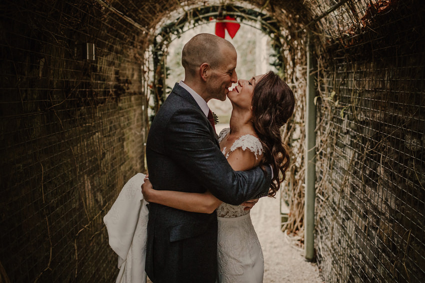 A laidback and intimate winter wedding at The Cliff at Lyons 67