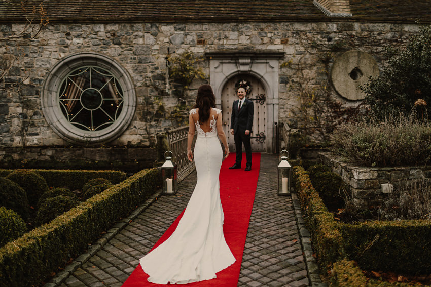 A laidback and intimate winter wedding at The Cliff at Lyons 73