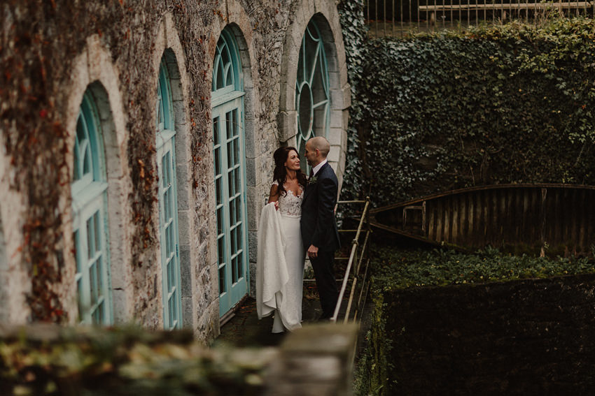 A laidback and intimate winter wedding at The Cliff at Lyons 78