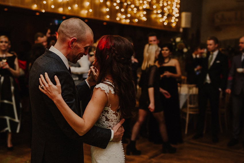 A laidback and intimate winter wedding at The Cliff at Lyons 102