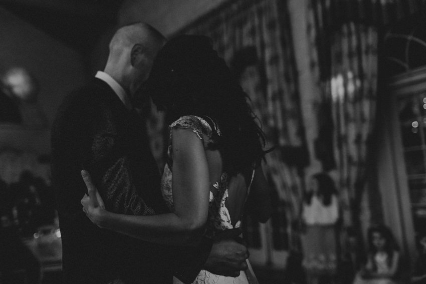 A laidback and intimate winter wedding at The Cliff at Lyons 100