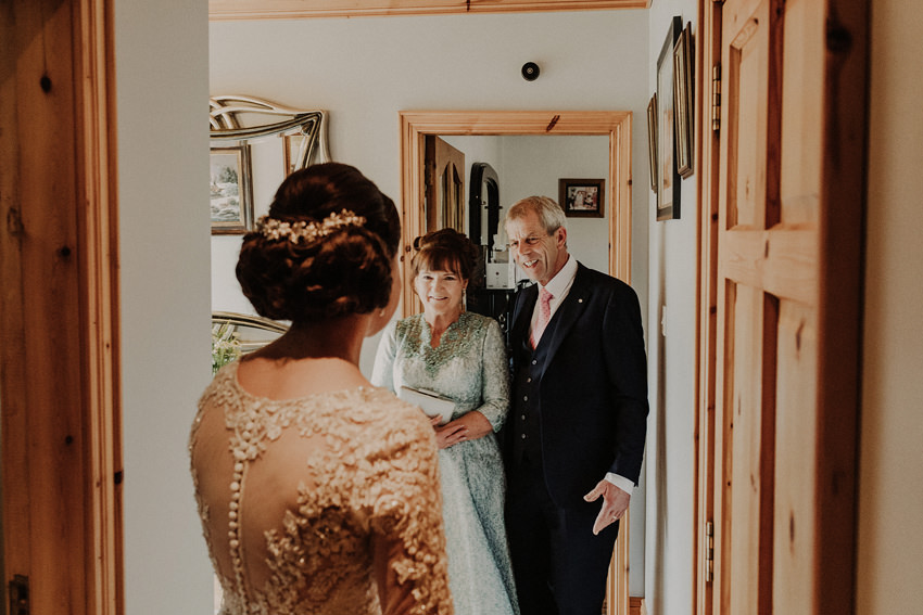 first look with brides parents