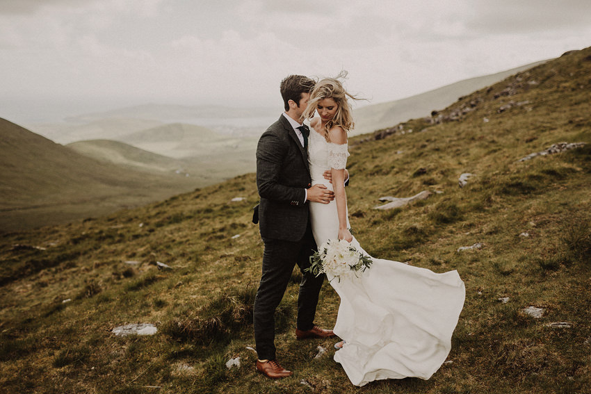 romantic photos of Hazel and JR at conor pass in kerry