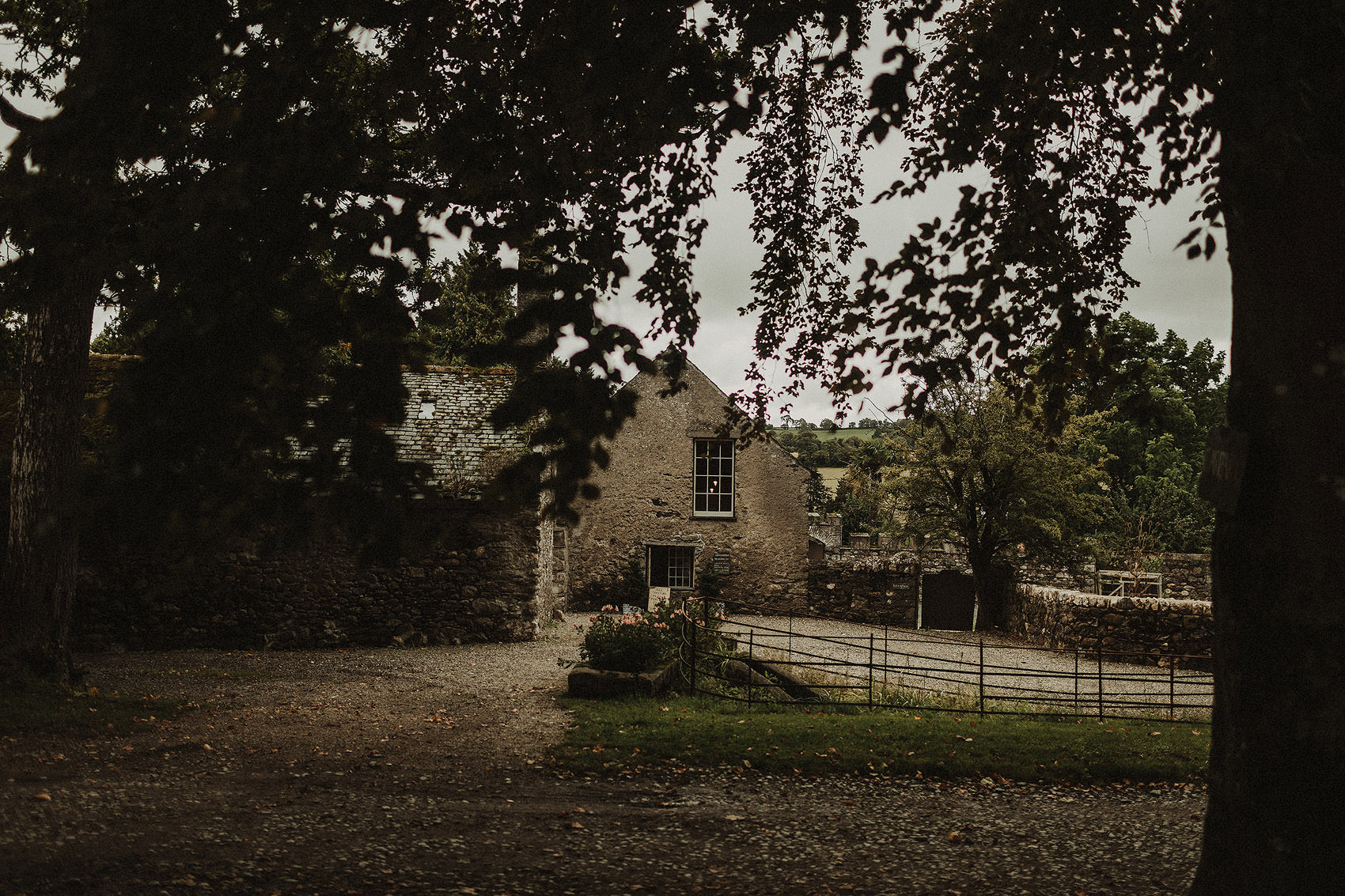 Huntington Castle & Gardens wedding | Ruth & Jason 2